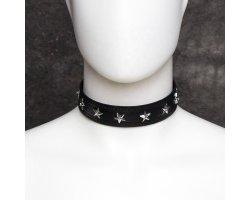 Черный ошейник с залепками-звездами