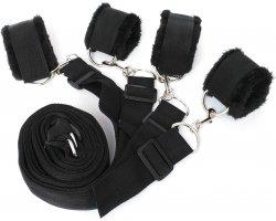 Черный бондаж к кровати с плюшем